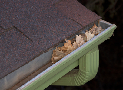 low-pressure roof cleaning